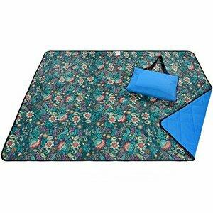 Roebury Picnic Blanket & Beach Blanket (Blue Bell Flowers - Blue Back)
