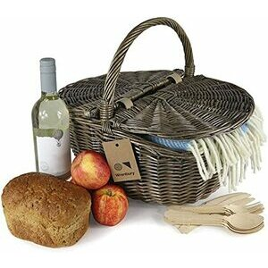 Wrenbury Wicker Oval Country Picnic Basket for 4