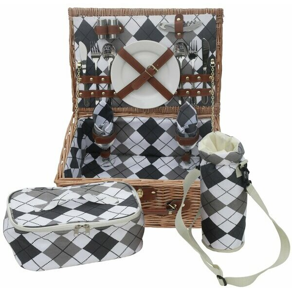 Traditional Premium Wicker Picnic Basket