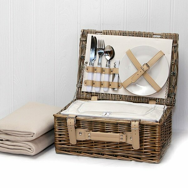 Daisy Wicker Picnic Basket with Cream Fleece